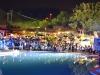 L\'incanto della piscina in una magica atmosfera serale